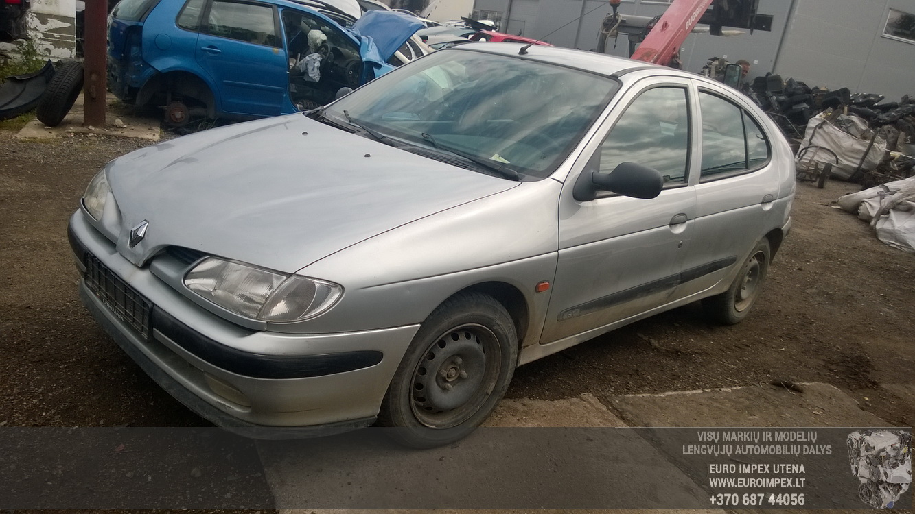 7703297184g B S103600400j Fuse Box Renault Megane 1996 20l 30eur On Laguna Foto 1 199511 199902 Petrol 20