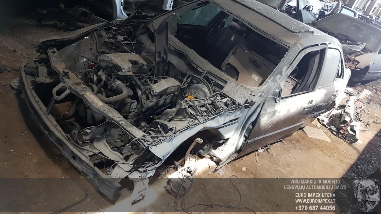 Foto-3 Mercedes-Benz C-CLASS W202, 1993.03 - 2000.05 1999 Бензин 1.8
