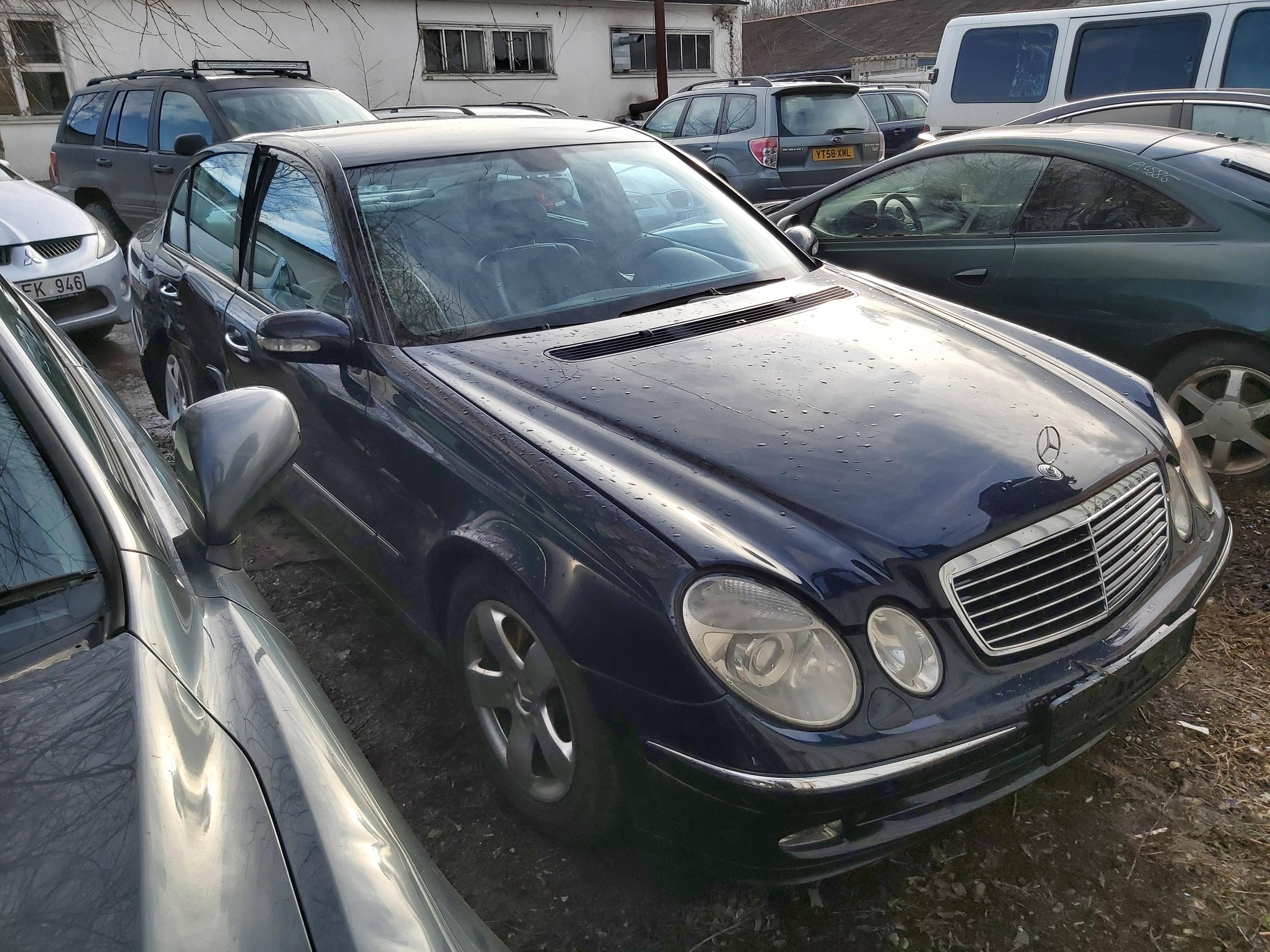 Foto-2 Mercedes-Benz E-CLASS W211, 2002.03 - 2006.04 2002 Dyzelis 2.7