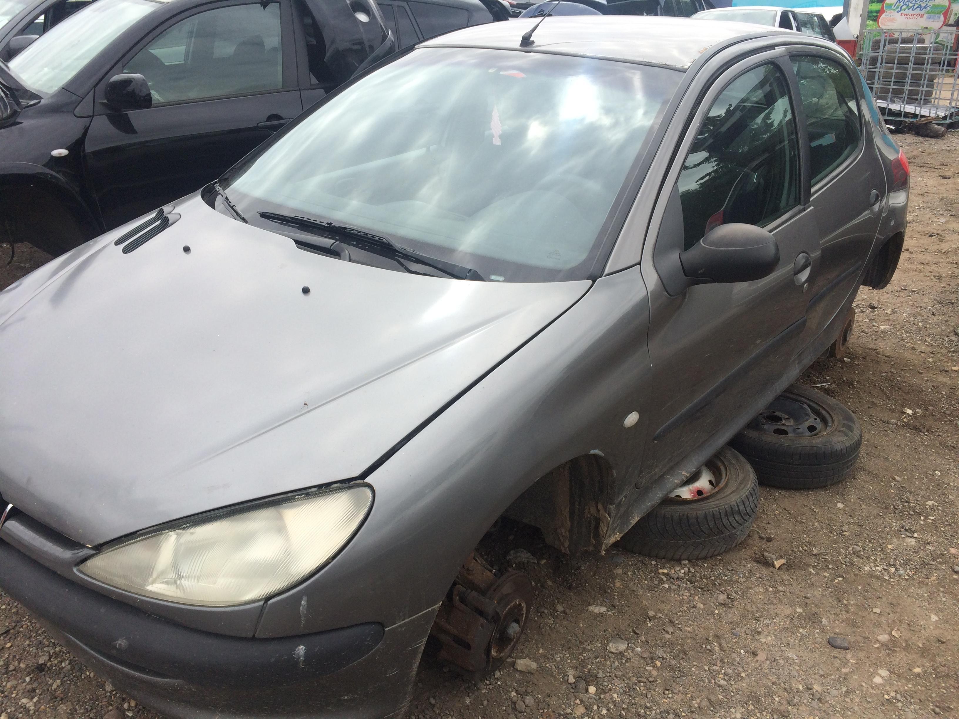 9610927380 Used Fuse Box Peugeot 206 1999 19l 10eur Eis00468796 Central Locking Foto 2 199808 200207 Diesel 19