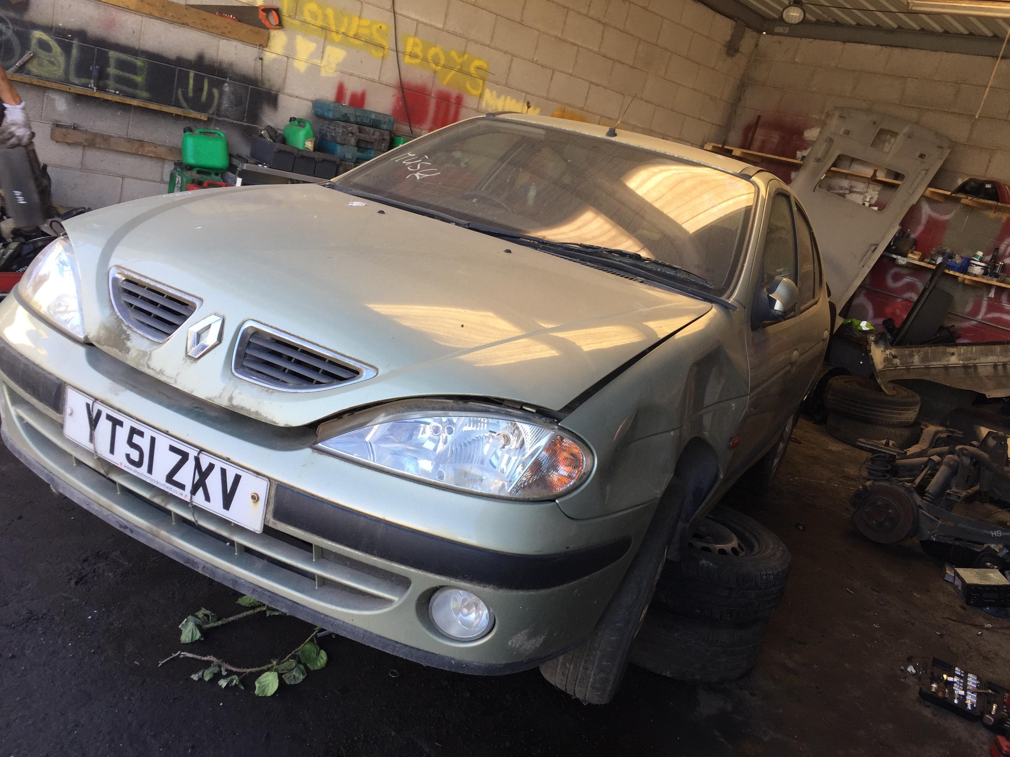 7703397911 1096046 8200029340b Fuse Box Renault Megane 2001 16l Water Foto 4 199903 200210 Facelift Petrol 16