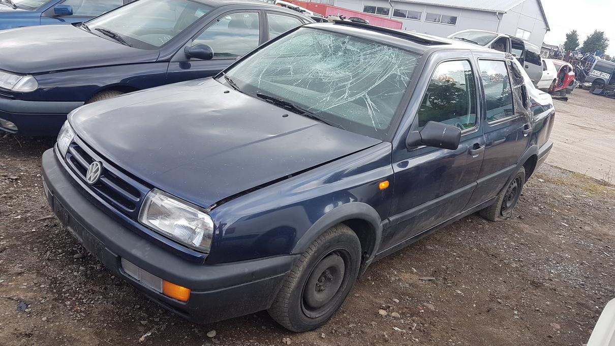 Foto-1 Volkswagen Vento Vento 1991.11 - 1999.01 1994 Diesel 1.9