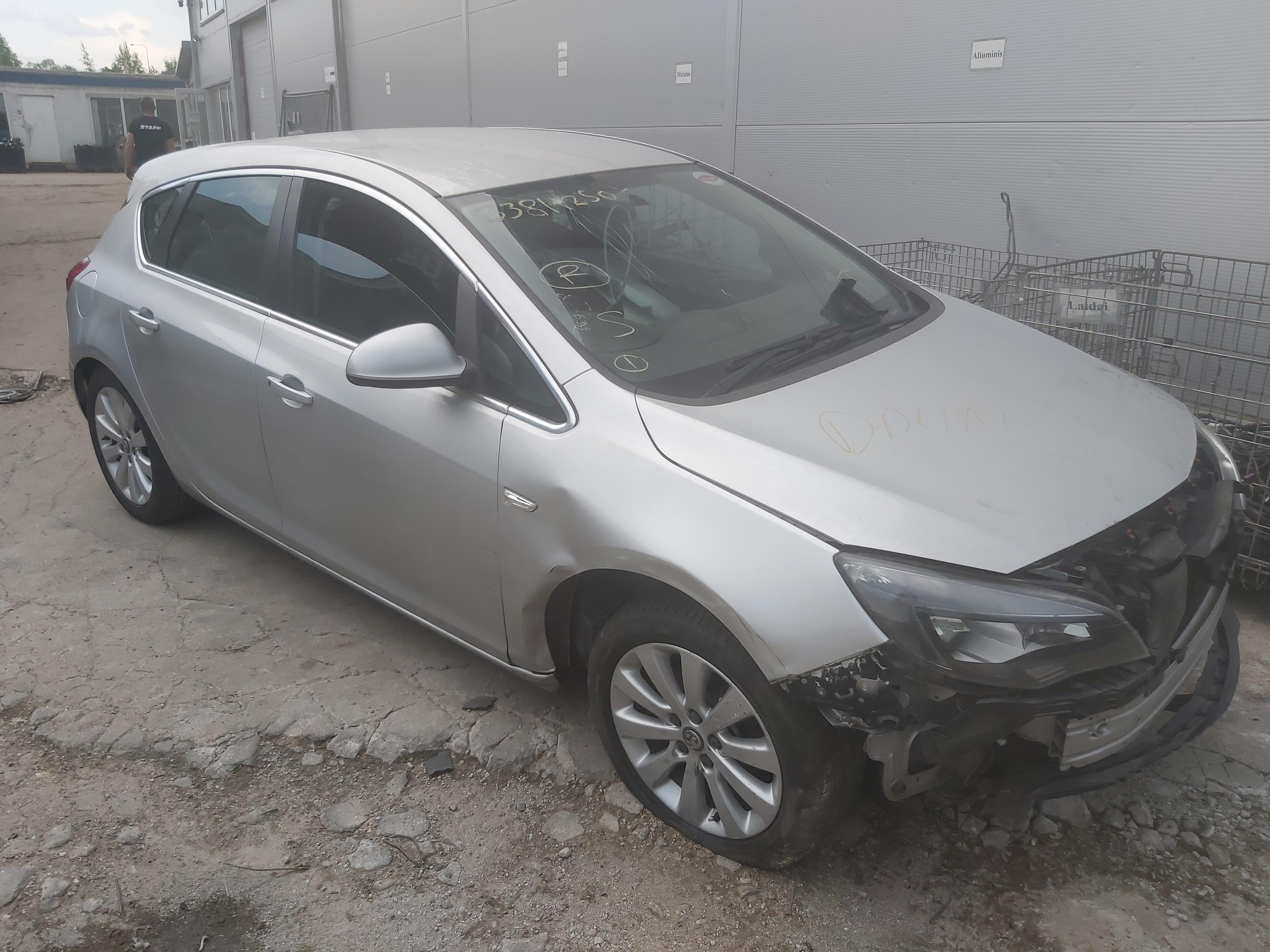 Foto-1 Opel Astra Astra, J 2009.12 - 2015.06 2013 Dyzelis 1.7