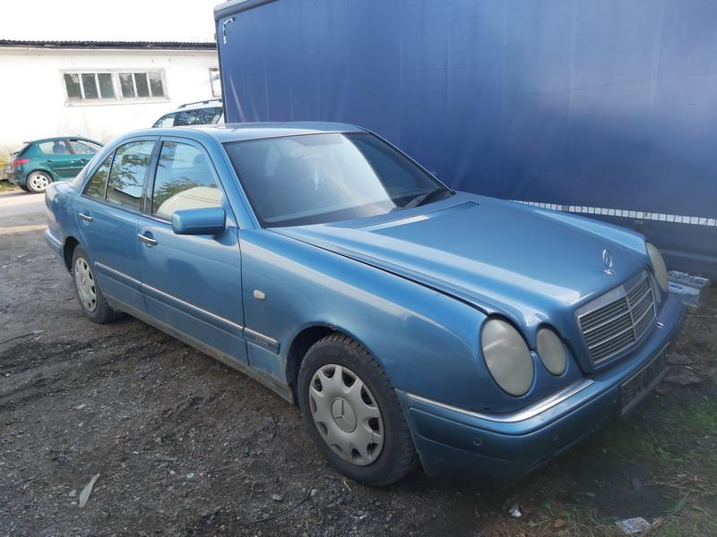 Foto-1 Mercedes-Benz E-CLASS W210, 1995.06 - 1999.07 1996 Dyzelis 2.9
