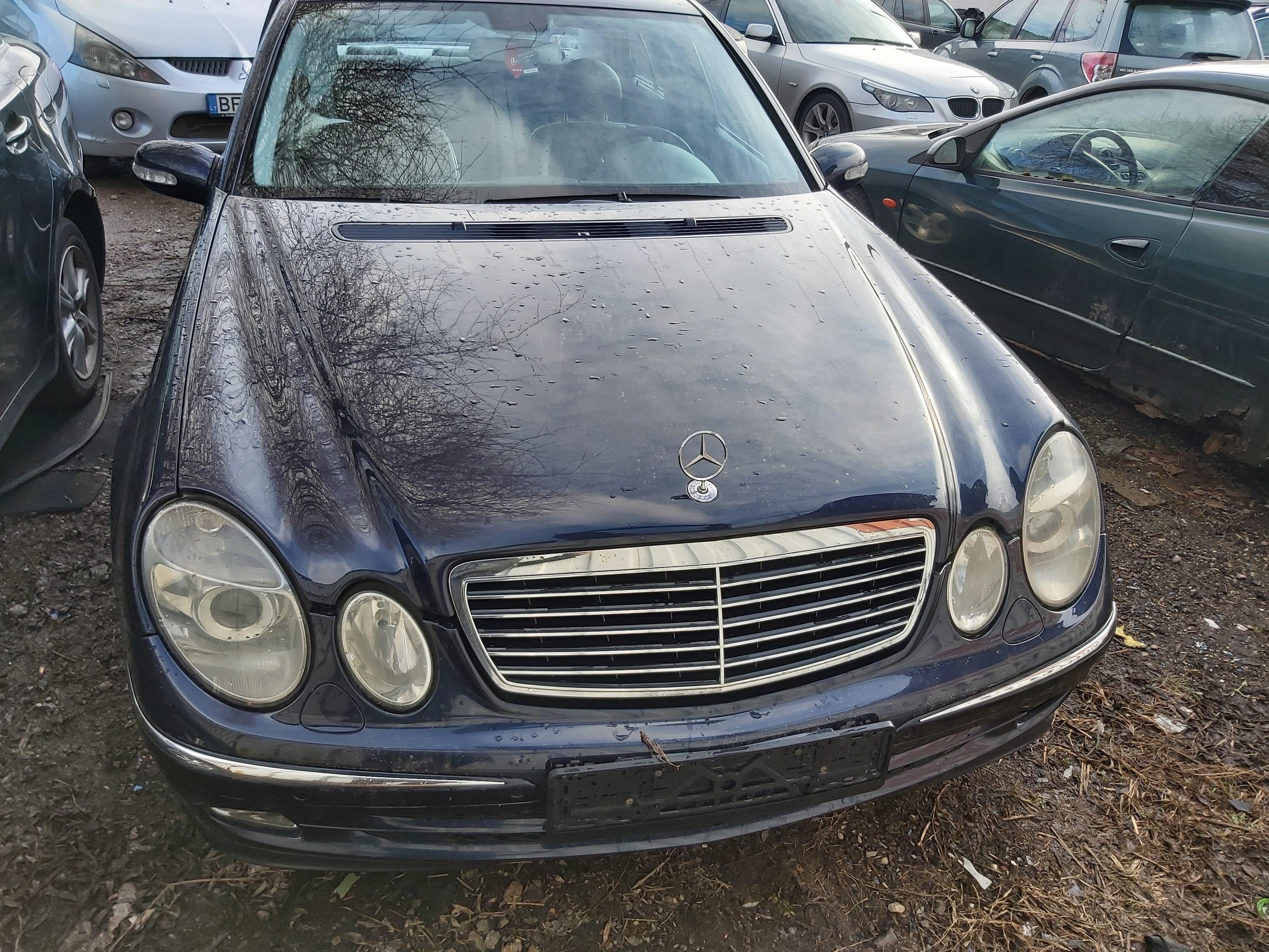 Foto-1 Mercedes-Benz E-CLASS W211, 2002.03 - 2006.04 2002 Dyzelis 2.7