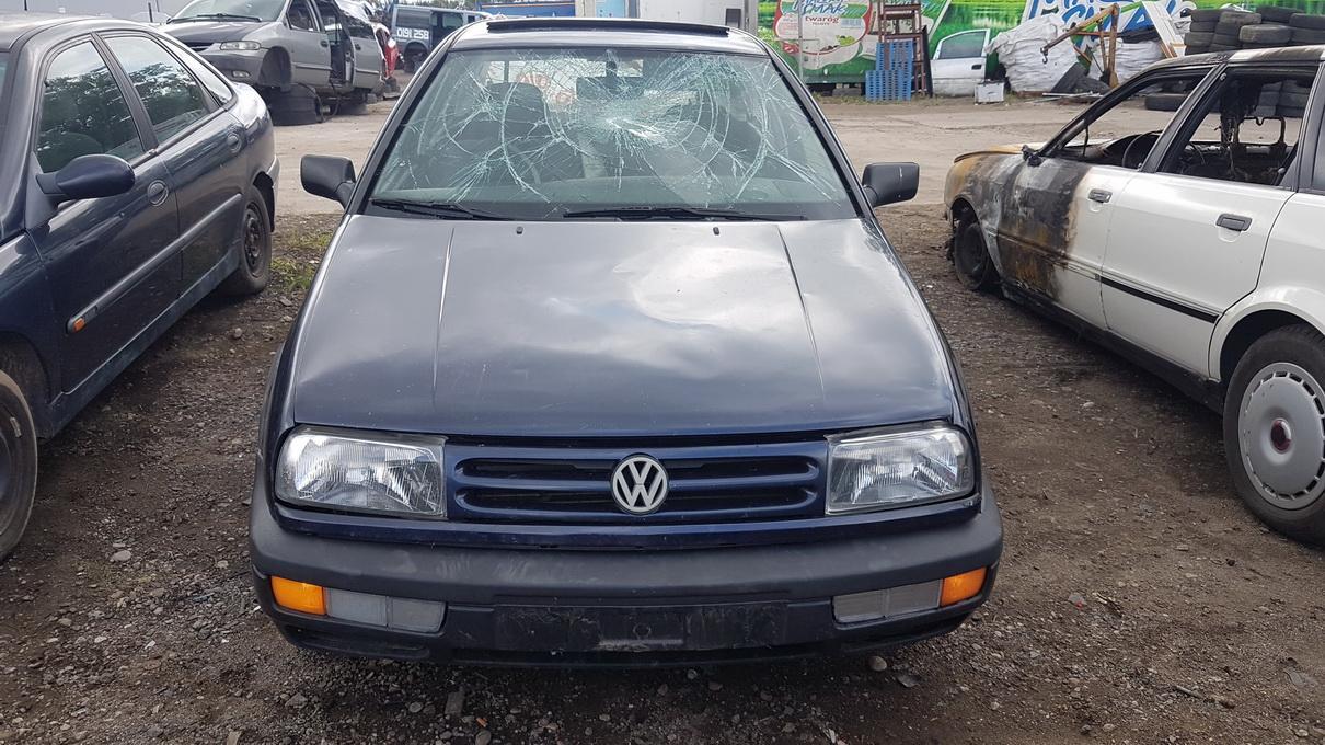Foto-2 Volkswagen Vento Vento 1991.11 - 1999.01 1994 Diesel 1.9