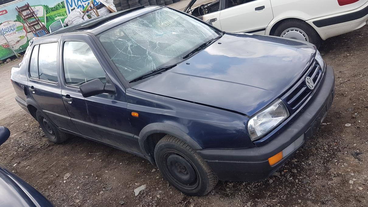 Foto-3 Volkswagen Vento Vento 1991.11 - 1999.01 1994 Diesel 1.9