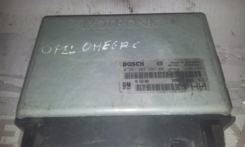 Variklio kompiuteris 0261203588 90492382 Opel OMEGA 1994 2.5