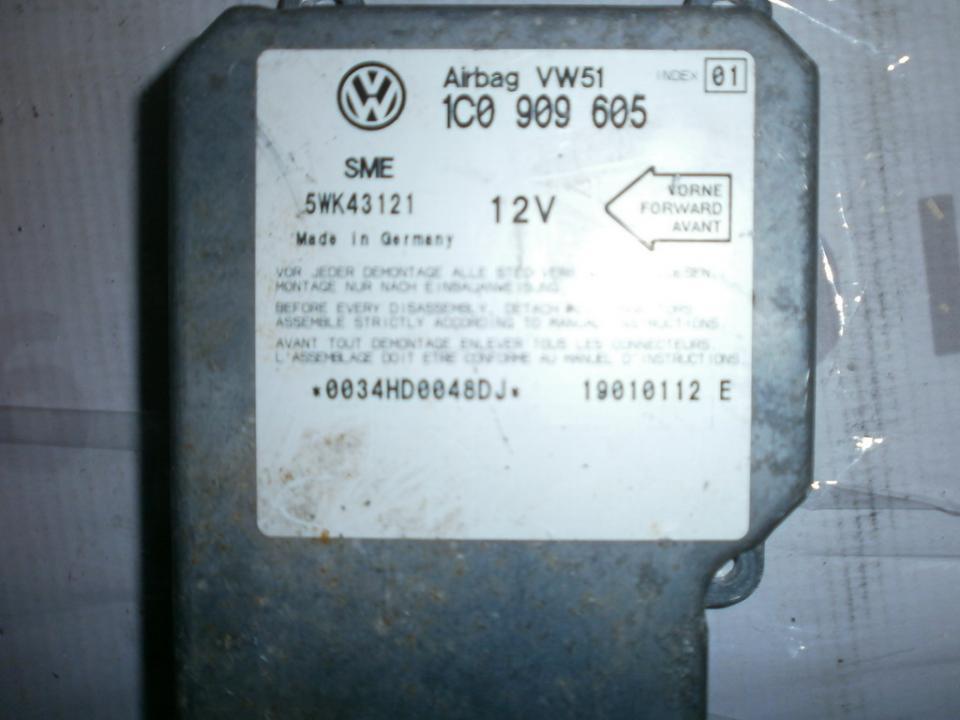 Airbag crash sensors module 1C0909605 5WK43121VW51  Volkswagen GOLF 1998 1.9