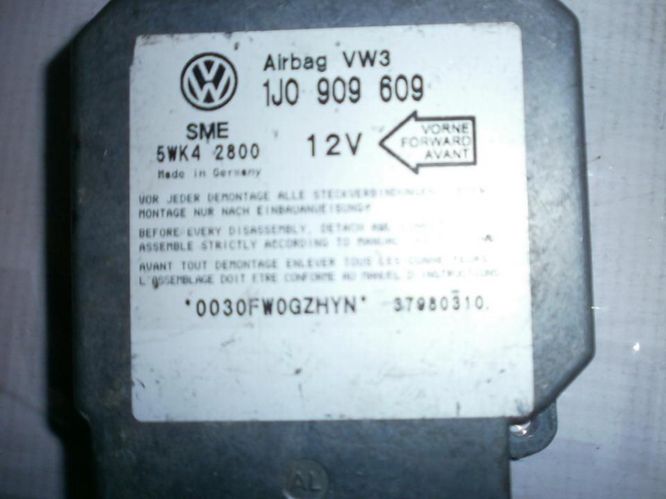SRS AIRBAG KOMPIUTERIS - ORO PAGALVIU VALDYMO BLOKAS 1J0909609 5WK42800  Volkswagen GOLF 2004 1.6