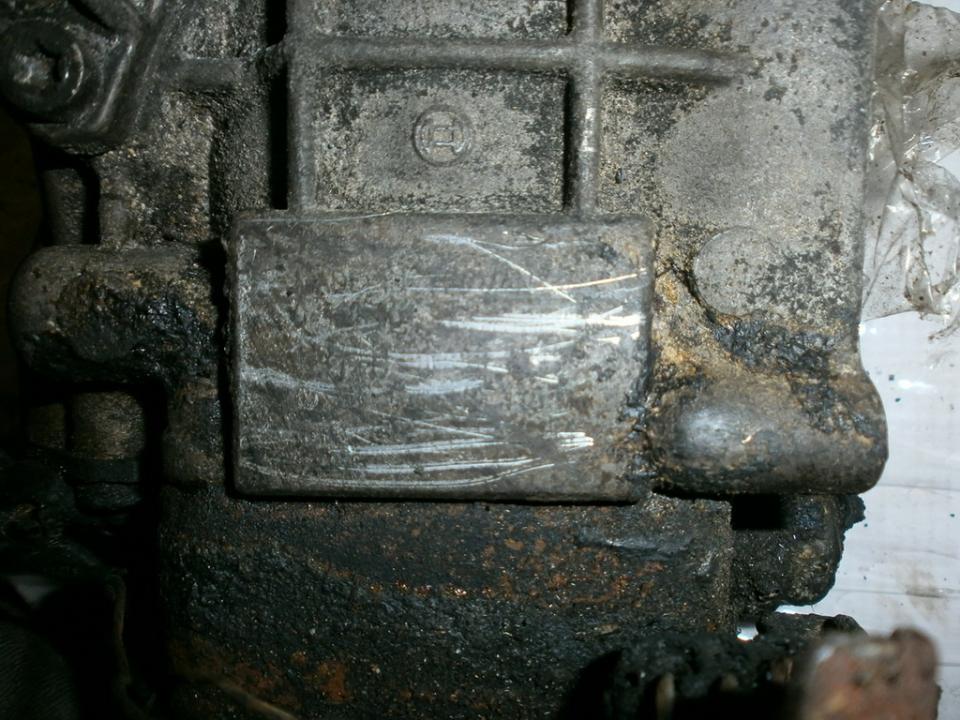 Насос топливный NENUSTATYTA  Volkswagen PASSAT 1993 1.9