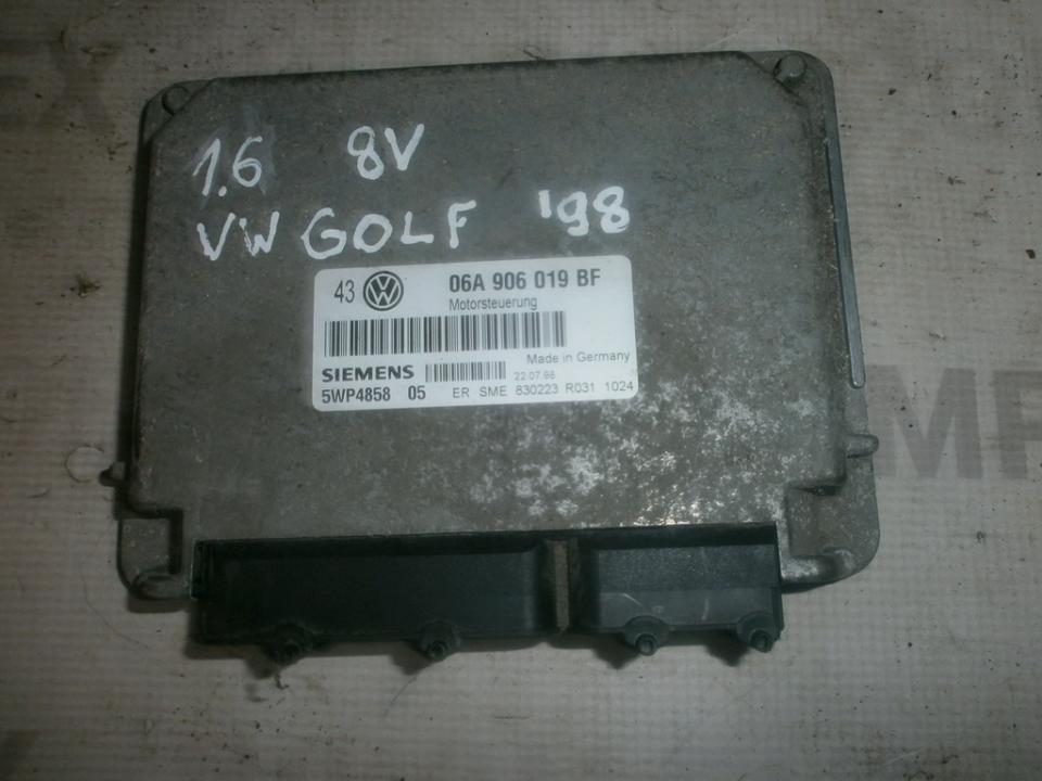 Variklio kompiuteris 06a906019bf 5wp485805  Volkswagen GOLF 1992 1.4
