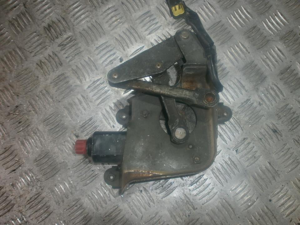 Zibinto aukscio reguliatorius (korektorius) 8611000882  Mazda 323F 1999 2.0