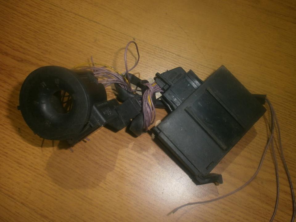 Electric window control unit Peugeot 106 1995    2.0 9624799080