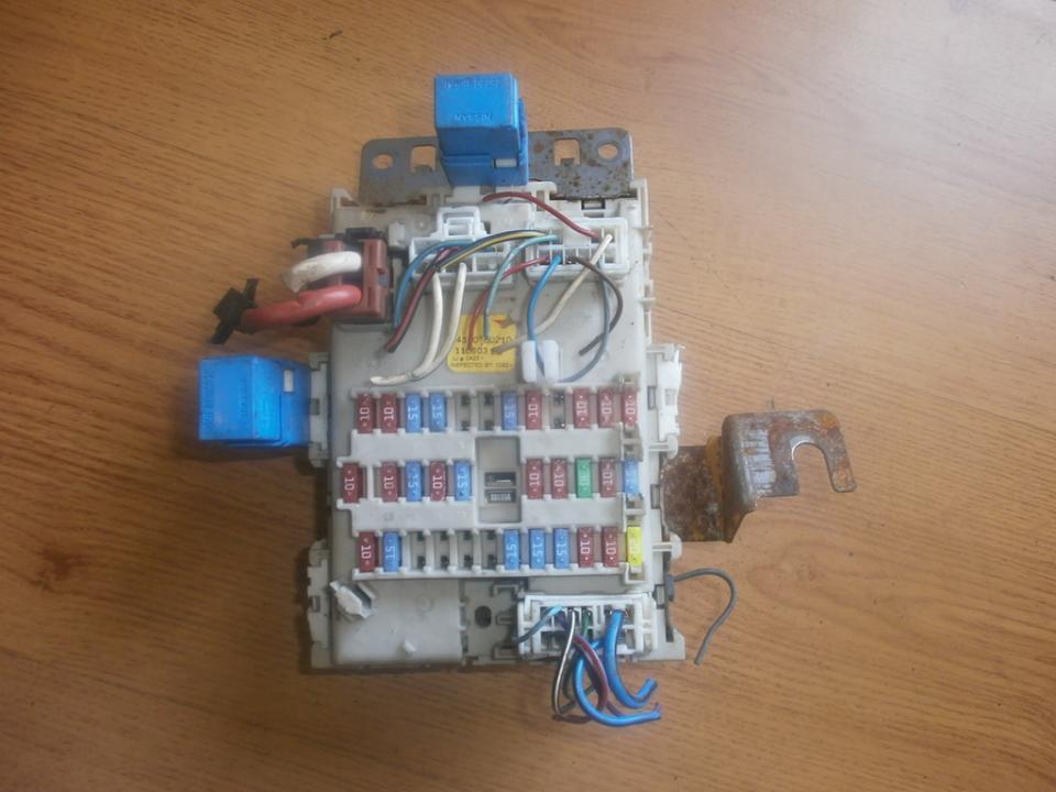 24350bu210 1106031 fuse box nissan almera tino 2004 1 2l 29eur eis00017945 used parts shop