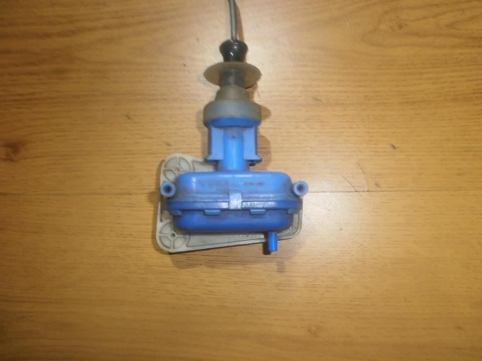 Duru uzrakto vakuumine pompele 893862153d  Audi 100 1993 2.5