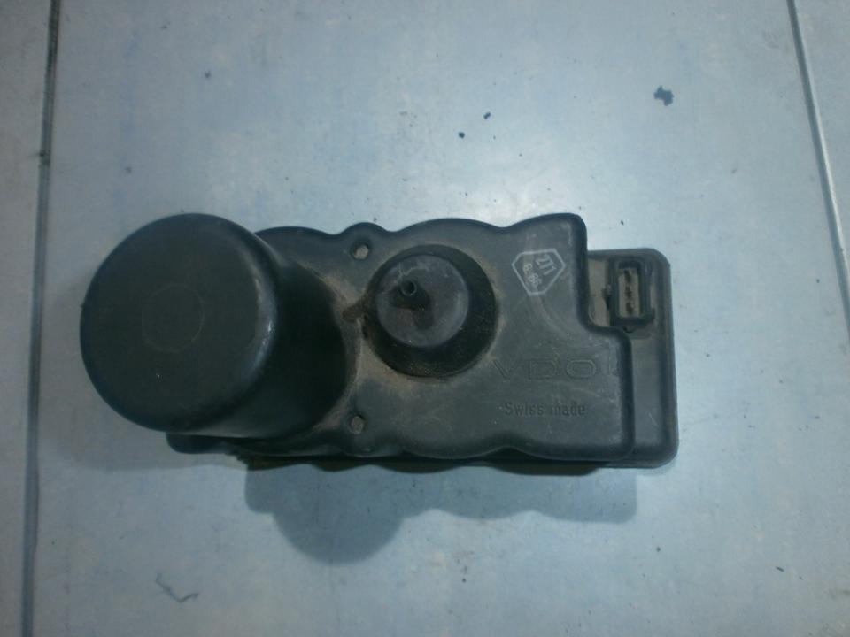 Centrine vakuumo valdymo pompa 443862257C  Volkswagen GOLF 1995 1.9