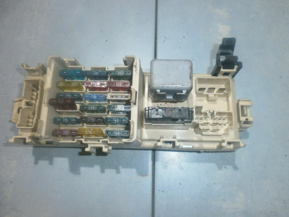 326003 Fuse box Mazda 323 1993 1.1L 27EUR EIS00023049   Used parts on