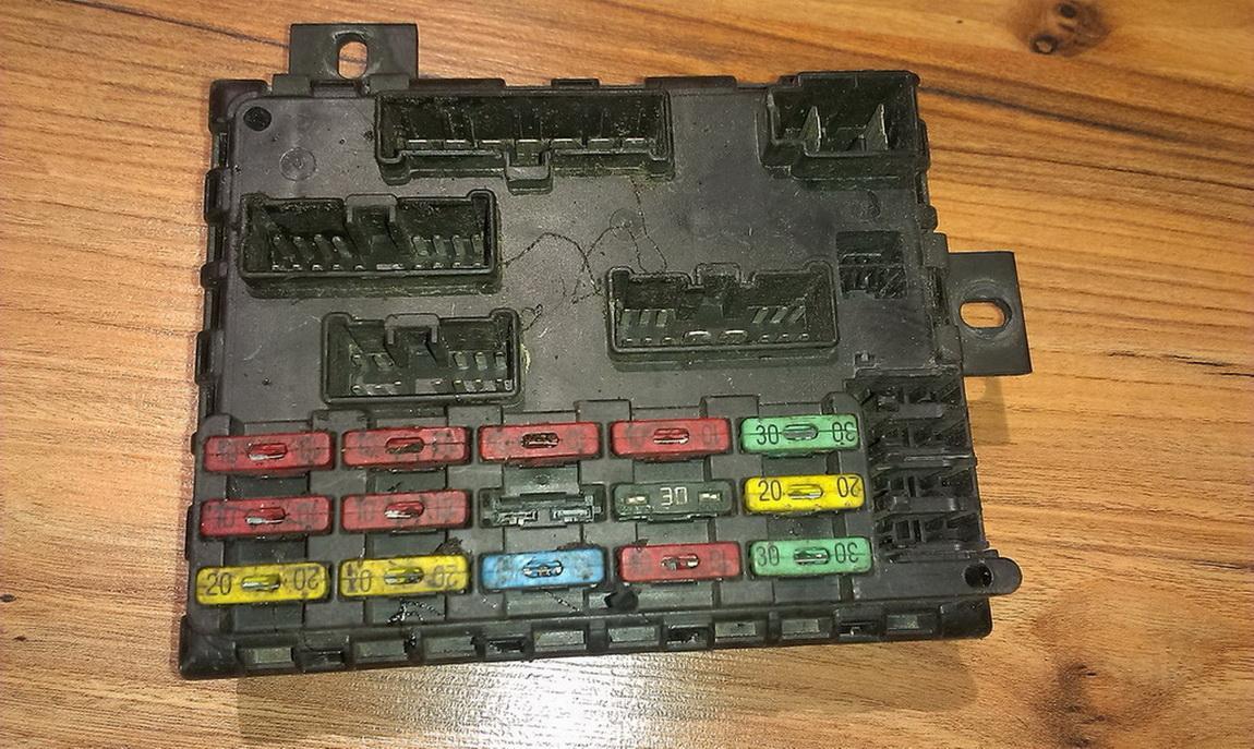46443390a223 46443390 A223 Fuse Box Fiat Bravo 1996 18l 26eur For Eis00028099