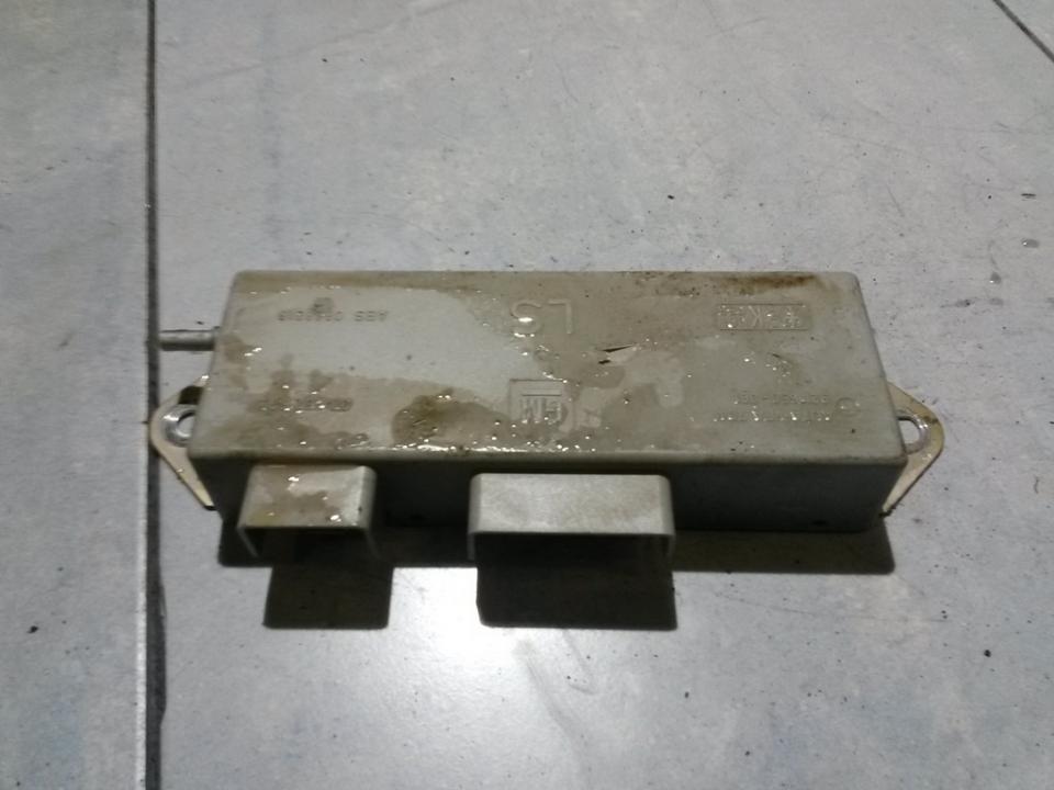 Kiti kompiuteriai 90462593 LS , ANTENA AMPLIFIER Opel VECTRA 1996 2.0