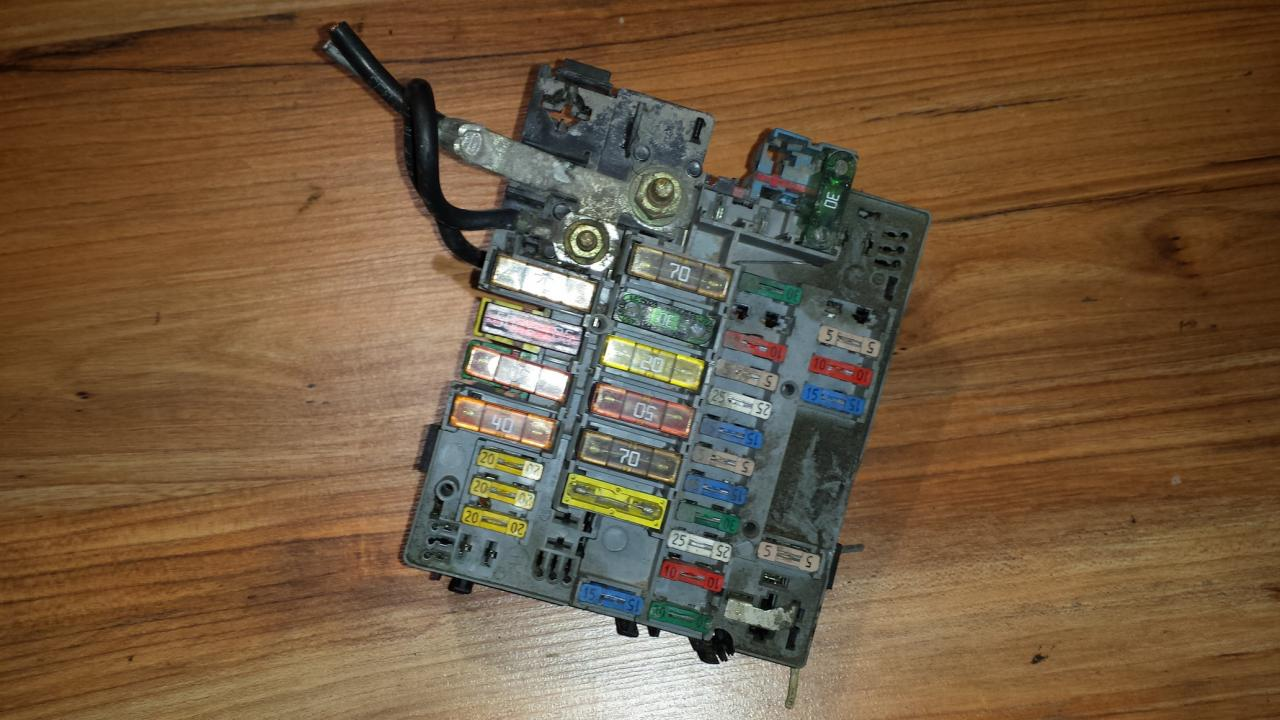 Fuse Box Peugeot 607 2000 22l 35eur Eis00031327 Used Parts Shop Picture Of