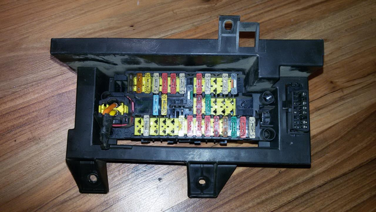9637180980 Fuse box Citroen Berlingo 2000 1.9L 20EUR EIS00032553