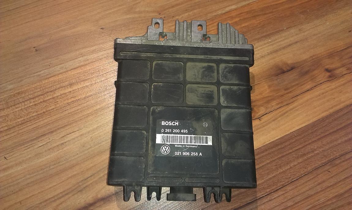 Variklio kompiuteris 0261200495 021906258a Volkswagen GOLF 1992 1.4