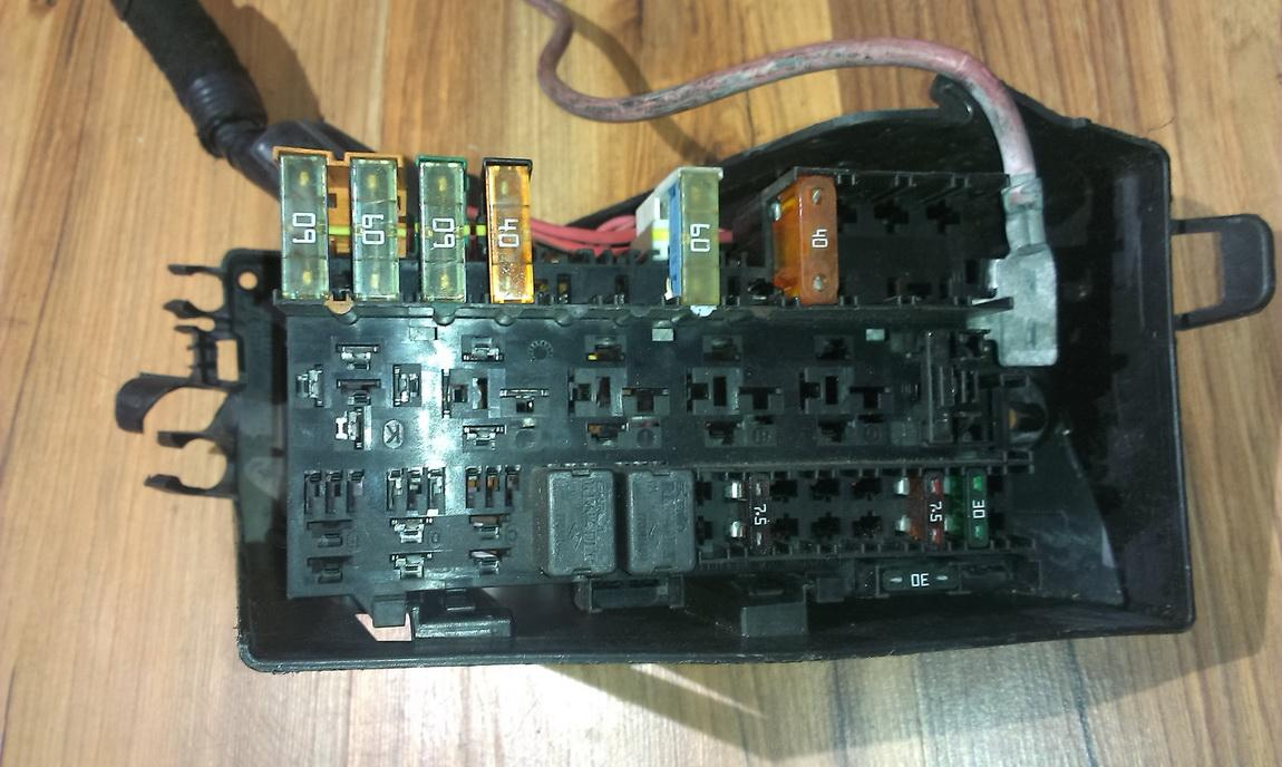7703497782b Fuse Box Renault Scenic 2002 16l 26eur Eis00038405 On A Master