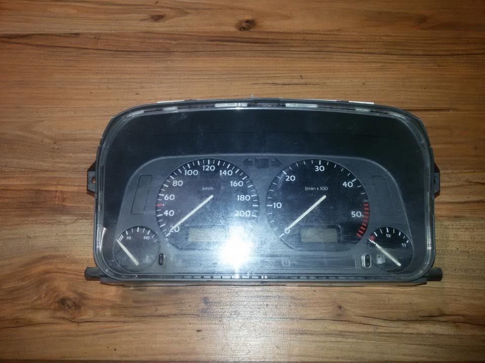 Spidometras - prietaisu skydelis 1h5919033m 89652504 Volkswagen GOLF 1992 1.4