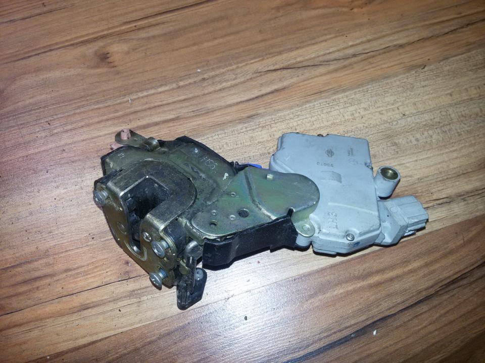Duru spyna P.K. NENUSTATYTA  Nissan ALMERA 2000 2.2