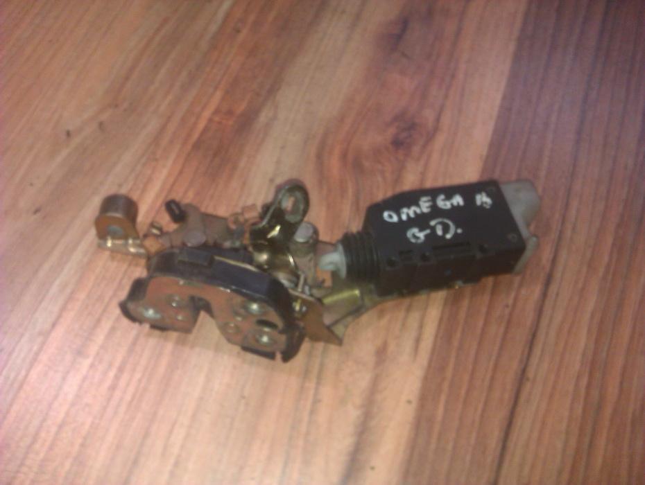 Door Lock Mechanism - rear right side 90293703  Opel OMEGA 1996 2.0