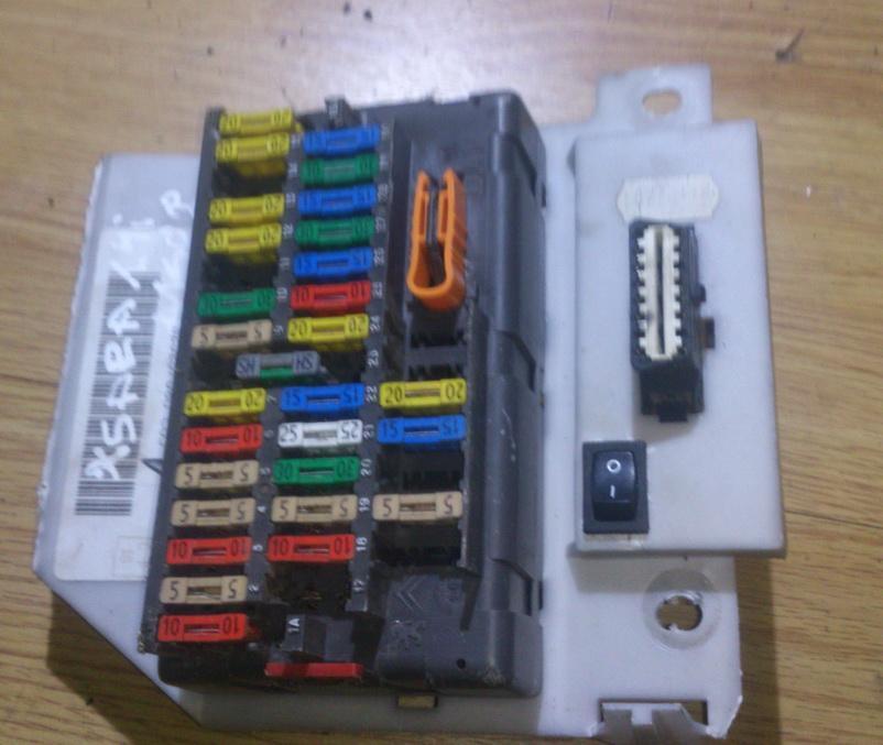 9624022480 Fuse box Citroen Xsara 1998 1.4L 23EUR EIS00046121 | Used on