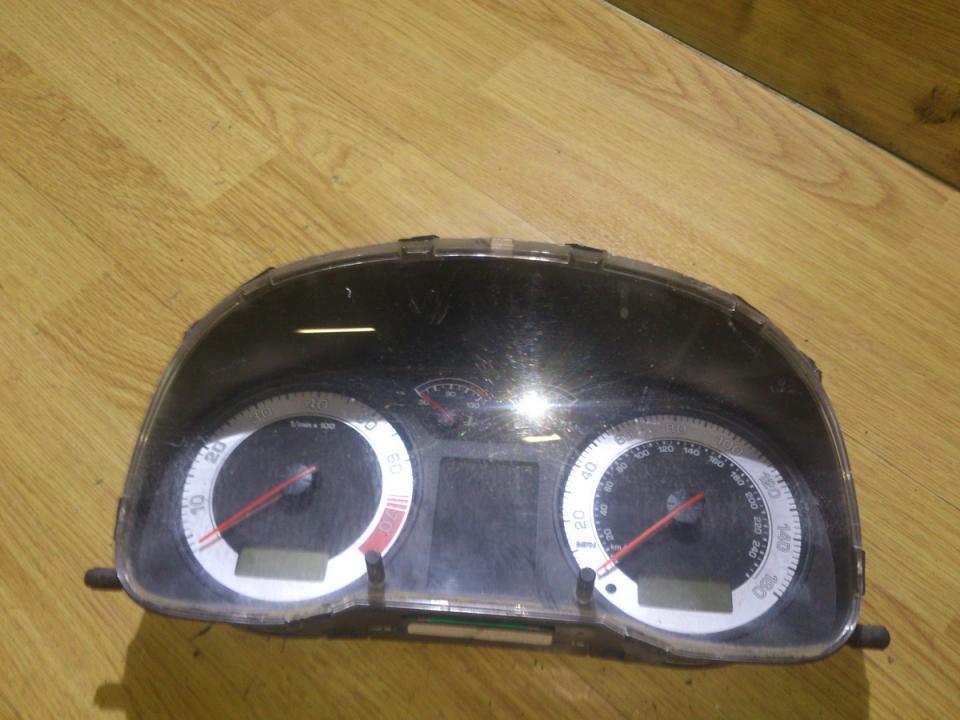 Щиток приборов - Автомобильный спидометр 1u0920911c  Skoda OCTAVIA 2005 1.9