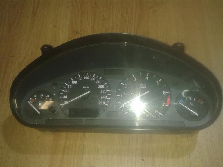 Spidometras - prietaisu skydelis 9220301045 62118357764 , 62.11-8357764 BMW 3-SERIES 2000 2.0