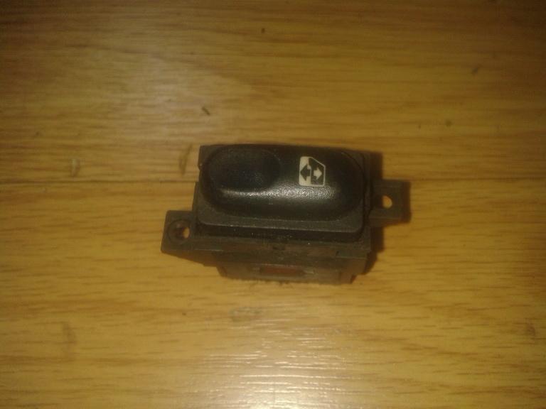 блока управления стеклоподъемниками (Knopka) NENUSTATYTA 047 Renault ESPACE 1990 2.1