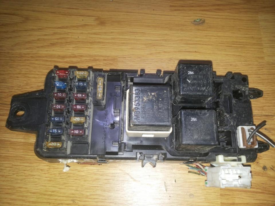 Saugikliu deze mb953355  Mitsubishi CARISMA 1996 1.6