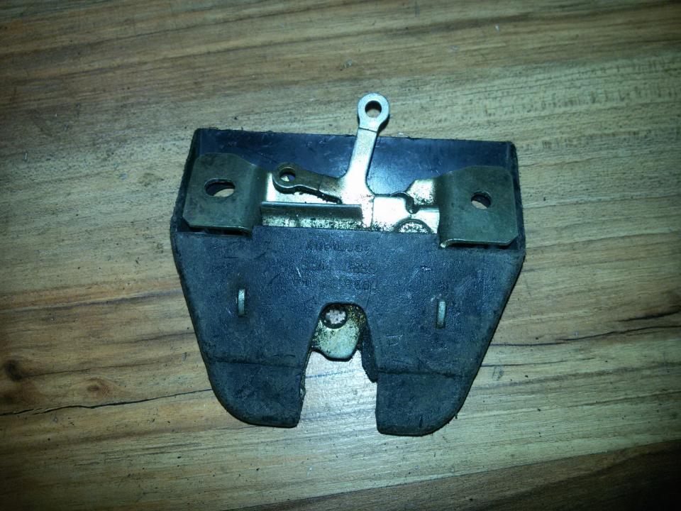 Rear Trunk Lid Lock Latch 893827505A  Audi 80 1985 1.8