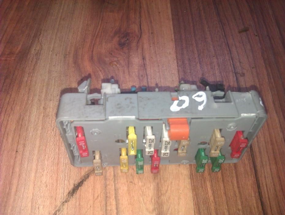 Fuse Box Citroen Zx 1995 1 4l 13eur Eis00053479 Used Parts Shop