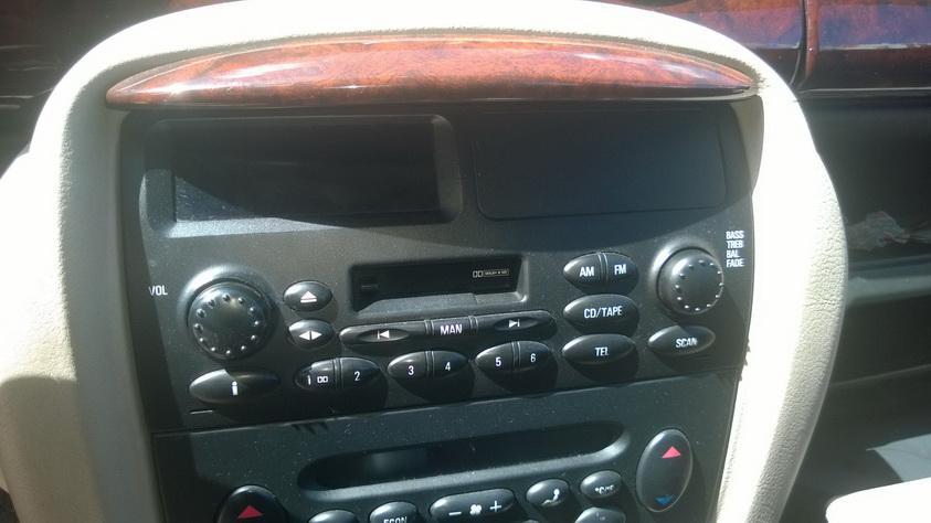 Automagnetola NENUSTATYTA  Rover 75 1999 2.0