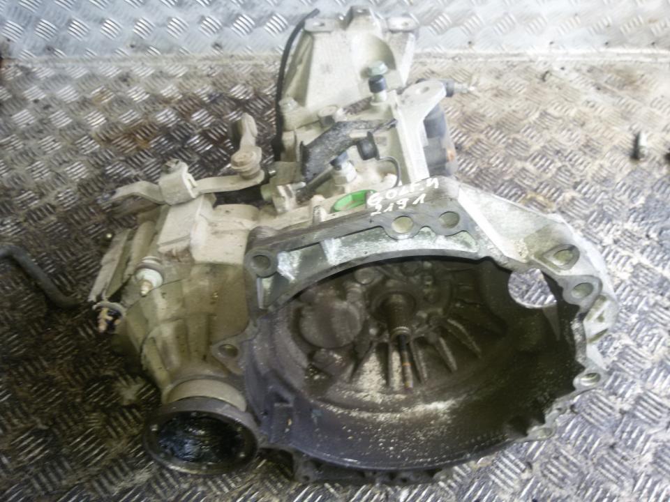 Greiciu deze duu   Volkswagen GOLF 2006 1.4