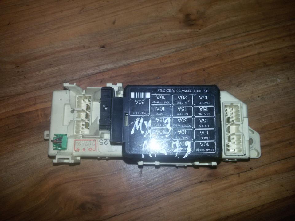 2g23a fuse box mazda mx 3 1993 1 8l 15eur eis00056602 used parts 2g23a fuse box mazda mx 3 1993 1 8l 15eur eis00056602