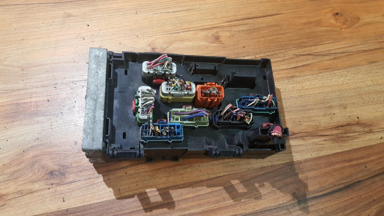 04869000aj A0705hqh Fuse Box Chrysler Voyager 2001 33l 45eur In Eis00057103