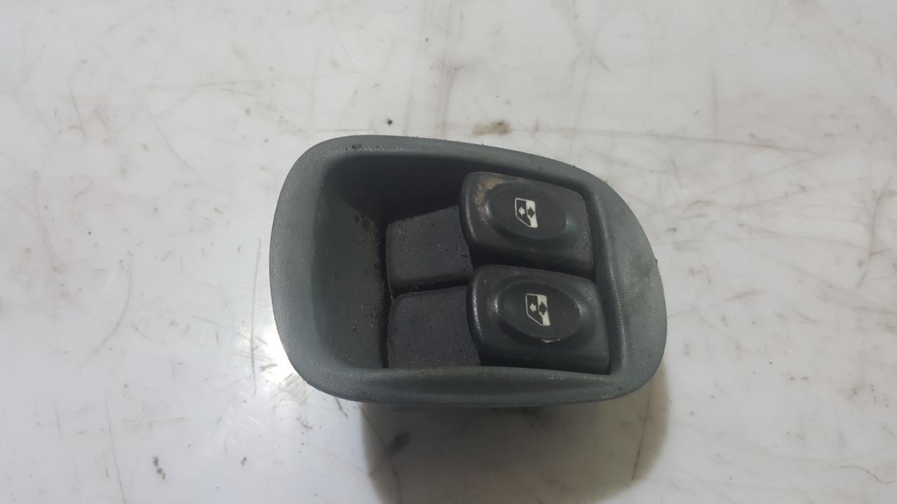 Renault  Scenic Stiklo valdymo mygtukas (lango pakeliko mygtukai)