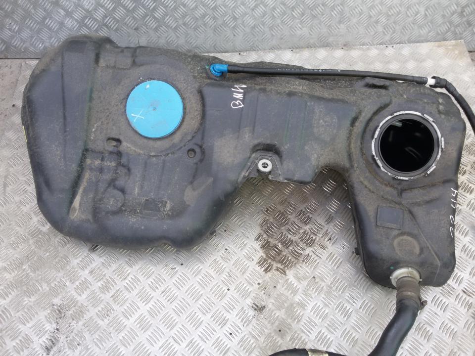 Kuro bakas BMW 3-Series 2012    2.0