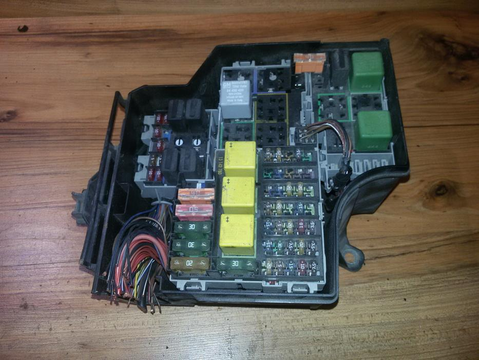 fuse box for vauxhall corsa