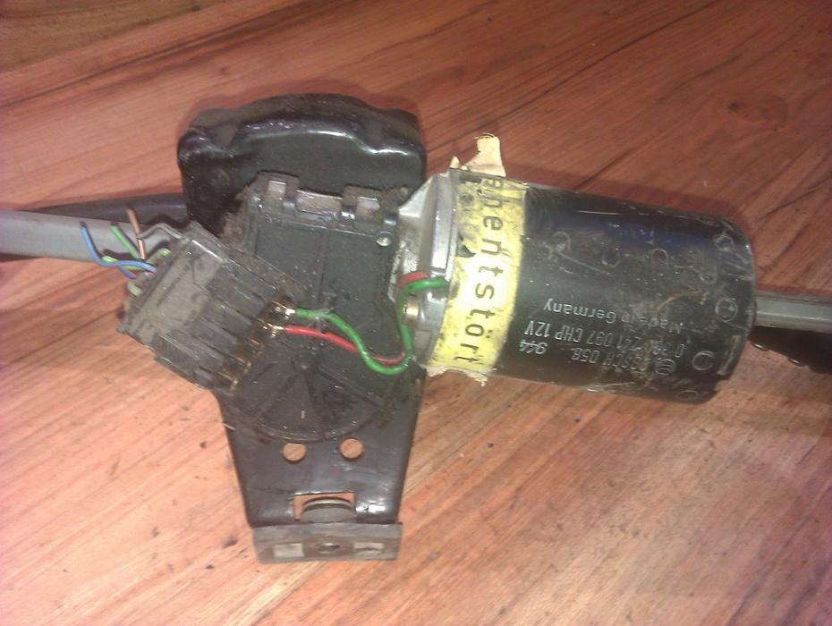 windscreen front wiper motor 0390241097  Audi 80 1985 1.8