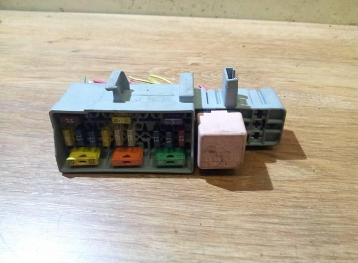 13251ghw fuse box renault megane 2005 1 5l 10eur eis00069514