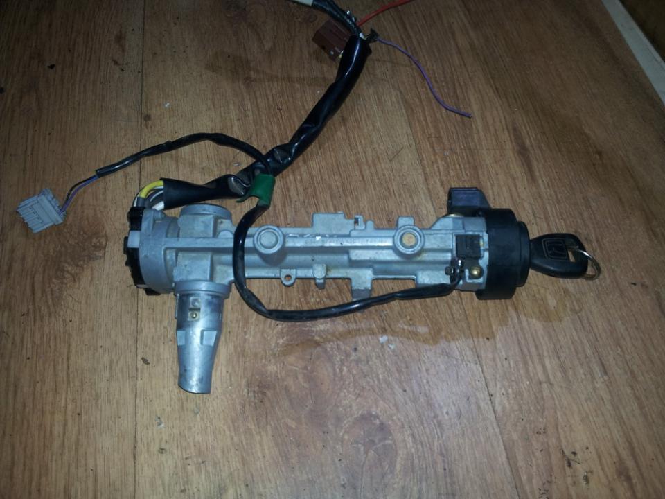 Uzvedimo spyna NENUSTATYTA  Honda CR-V 2003 2.0