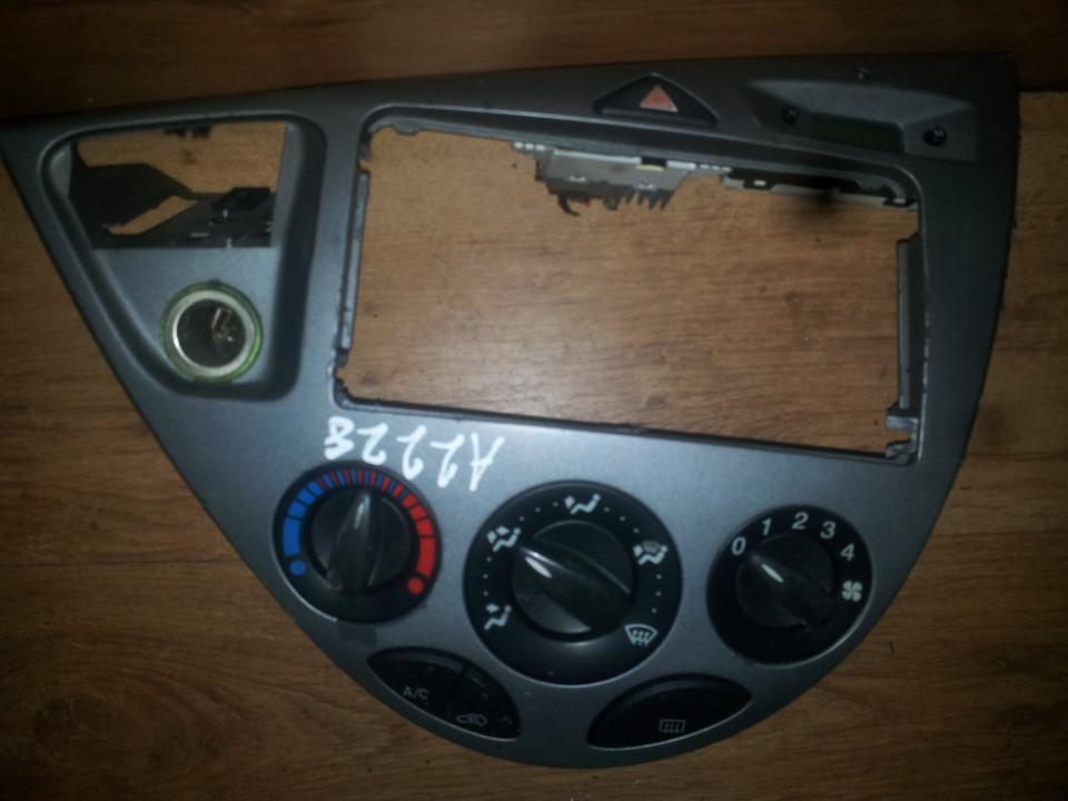 Кнопка аварийной сигнализации  98AG14A350AD  Ford FOCUS 2001 1.6