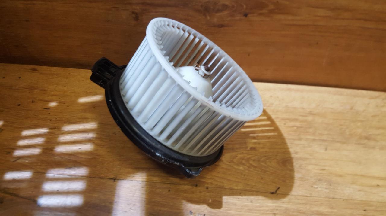 Вентилятор салона 8940000232 894000-0232 Mazda 2 2003 1.4
